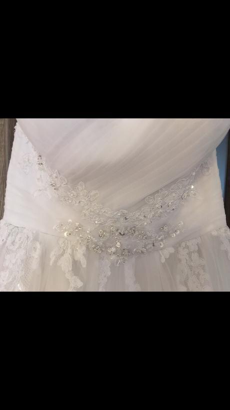Krajkove svadobne šaty Miss Kelly Paris, 38