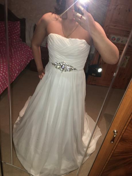 Dlhé svadobné šaty - 9 veľkostí, 2 farby, 38