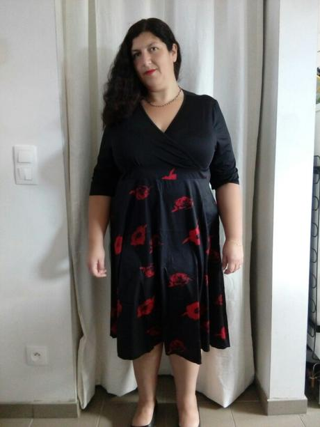777077f790 Krátke spoločenské šaty pre moletky aj tehotné