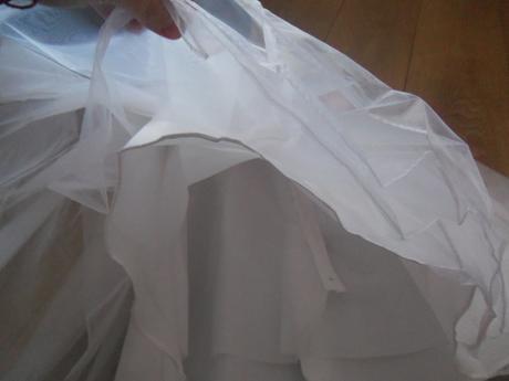 Krátke svadobné resp. po polnočné šaty, 36