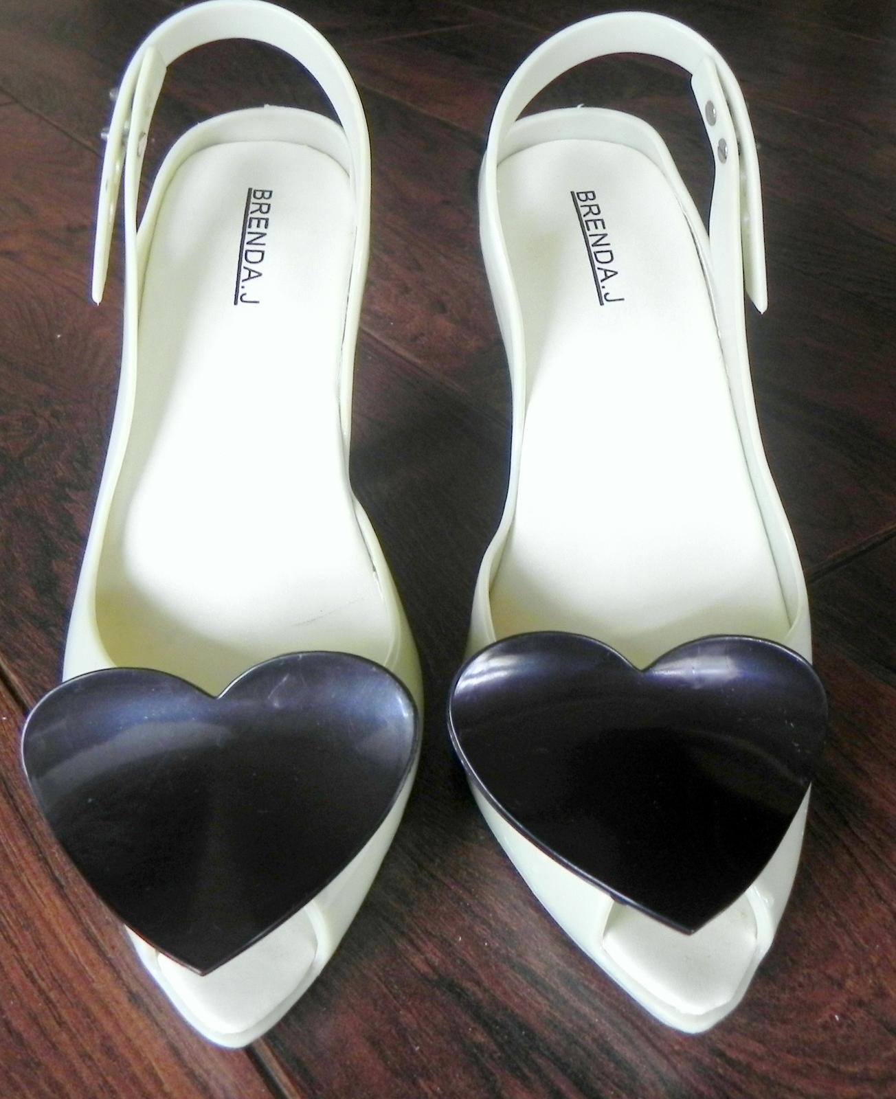 bef1b3a4a5ae Srdiečkové gumené topánky