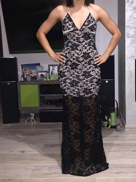 1a837b57b8e9 Luxusné čipkované šaty s holým chrbtom