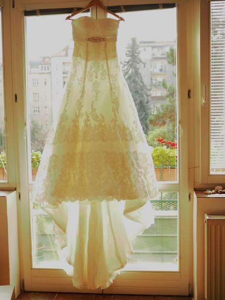 Elegantní krajkové šaty, 38