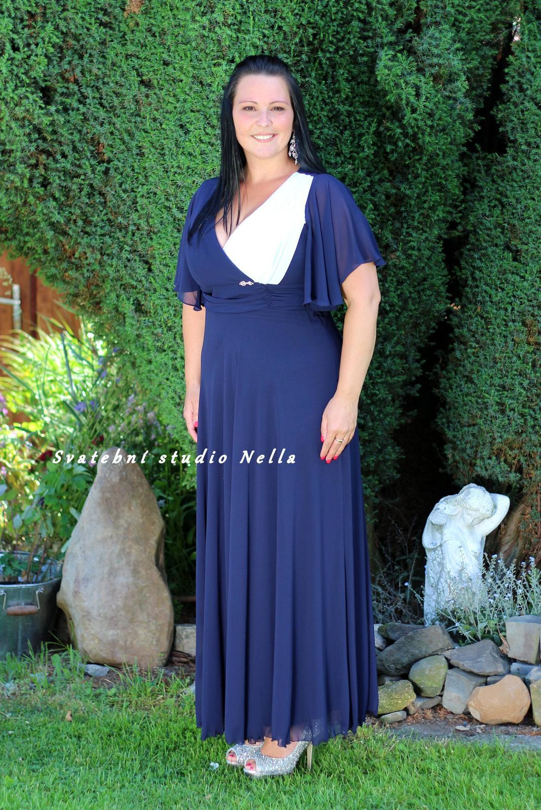 Dlouhé společenské šaty pro plnoštíhlé modré dec65af254d