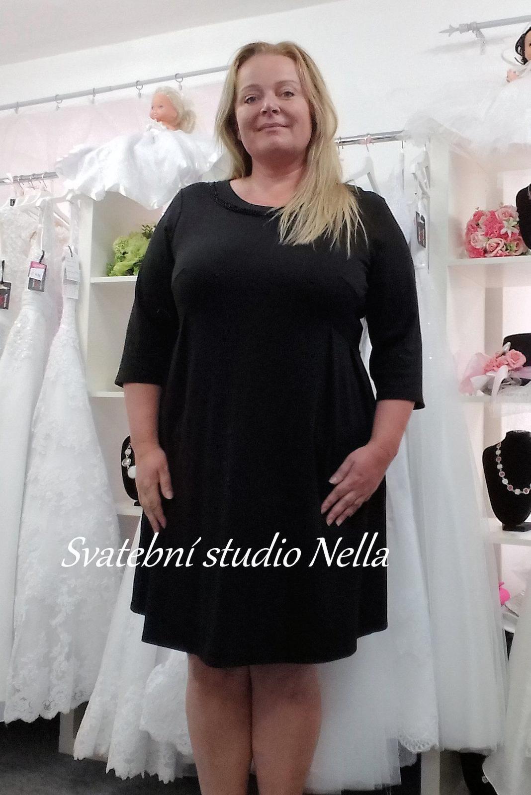 Krátké plesové šaty černé velikost 54 c5ca3544063