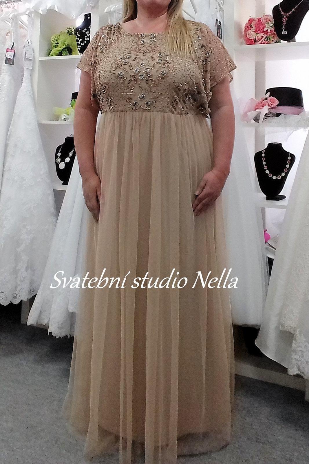 33e7fd2e9d2 Plesové šaty béžové pro plnoštíhlé - velikost 54