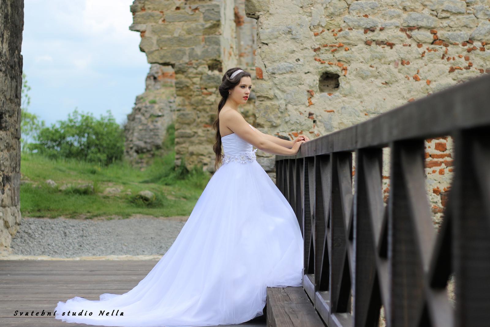 Svatební šaty n41 s vlečkou 7a5b8be146