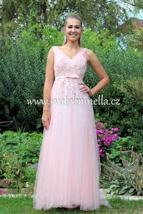 4bceaf5823c Dlouhé společenské plesové šaty růžové světlé