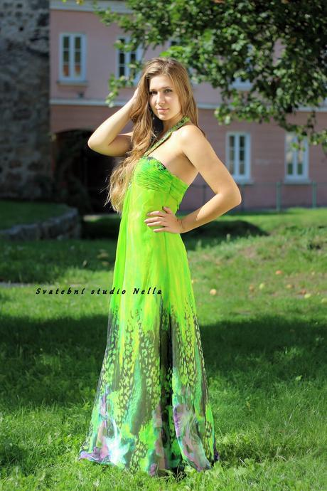 Dlouhé společenské plesové šaty zelené , 38