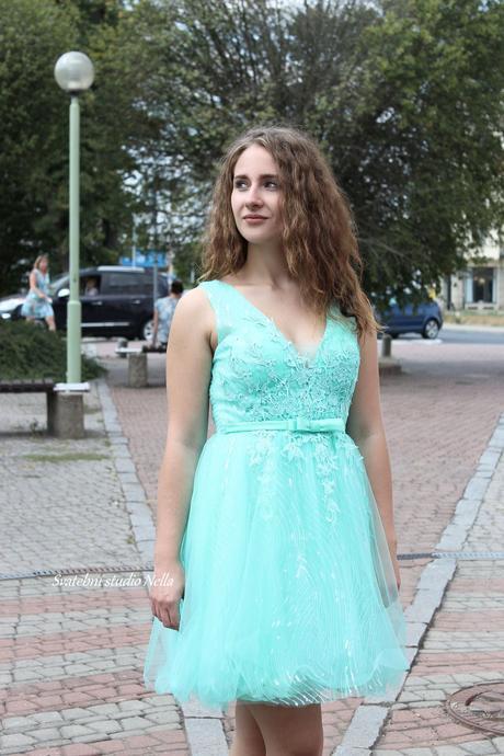 Krátké společenské plesové šaty mentolové mint, 36