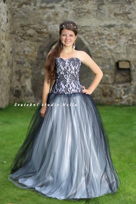 Plesové šaty černé - půjčovné, 34