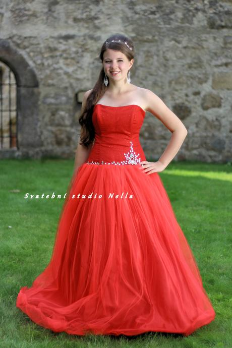Plesové šaty červené - půjčovna, 34