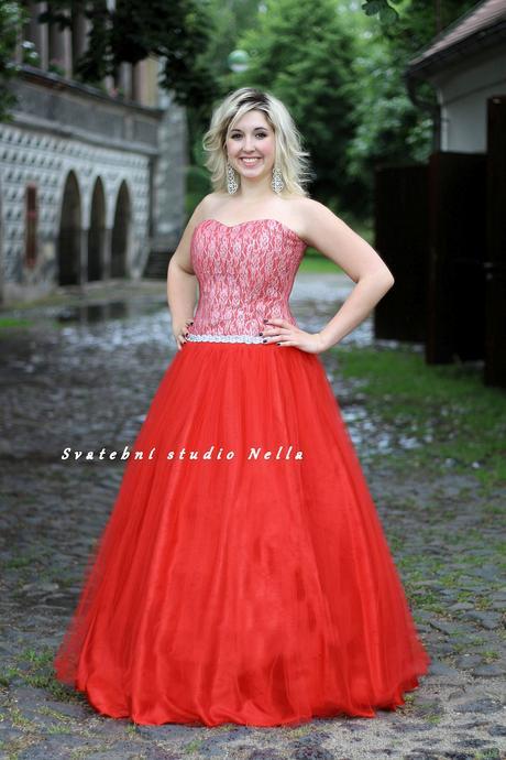 Plesové šaty červené - půjčovna, 46