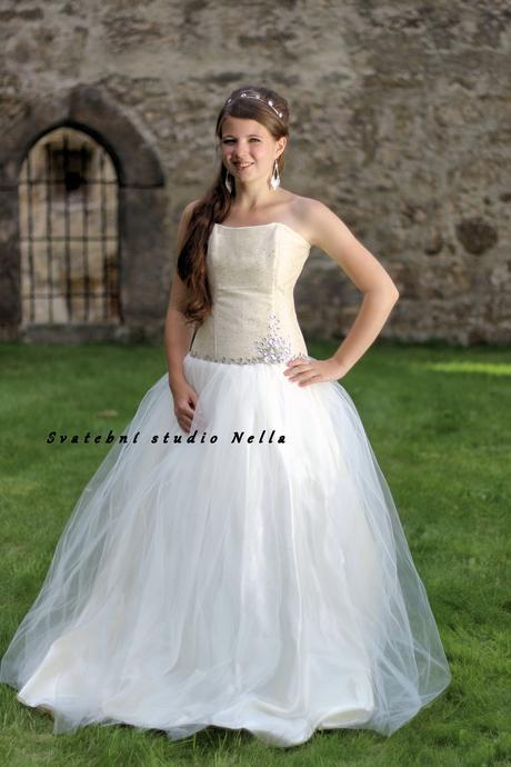 Plesové šaty smetanové - půjčovné, 34