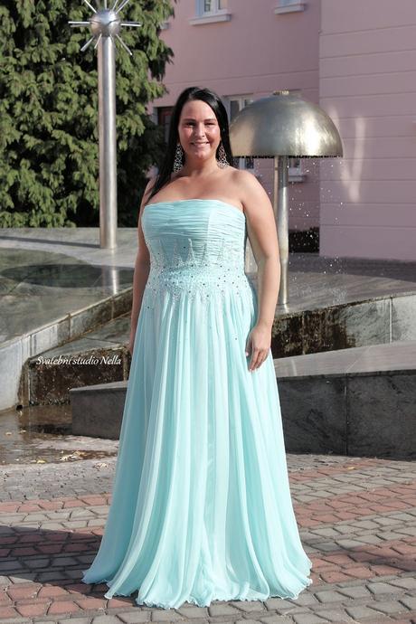 Půjčíme dlouhé společenské šaty metolové mint, 46