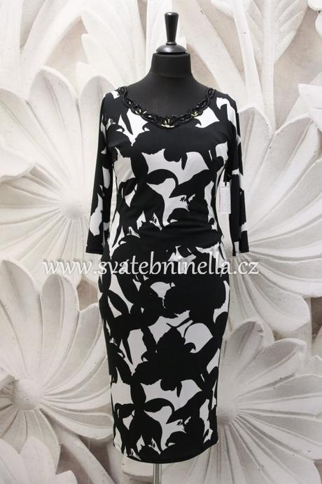 Půjčíme krátké společenské šaty černo - bílé, 50