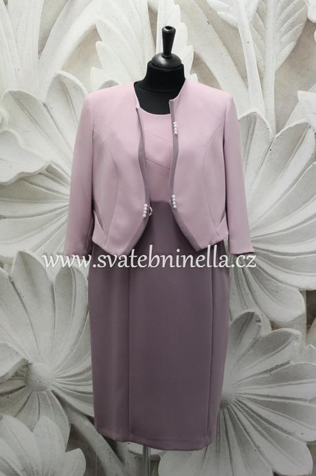 Půjčíme krátké společenské šaty - kostýmek fialový, 50