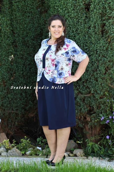 Půjčíme krátké společenské šaty modré, 52