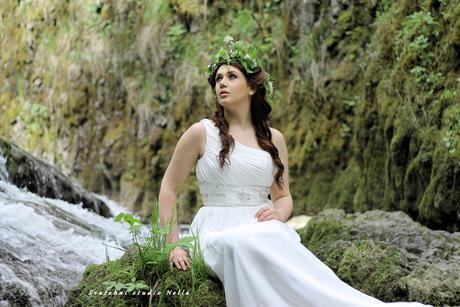 Smetanové svatební šaty N37 s vlečkou, 36