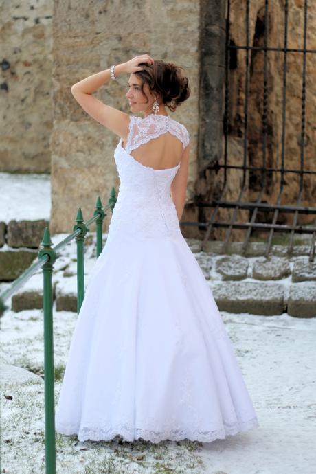 Svatební šaty bílé s krajkou K2, 36