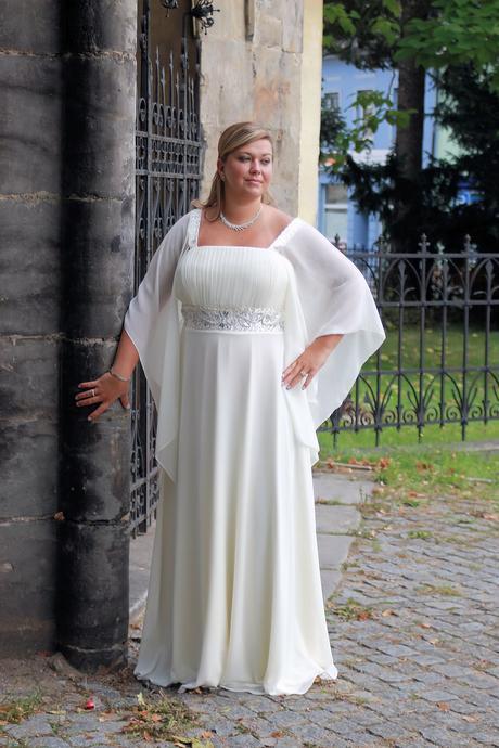 Svatební šaty E5 -půjčovna, 48