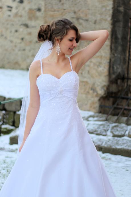 Svatební šaty N13, 40