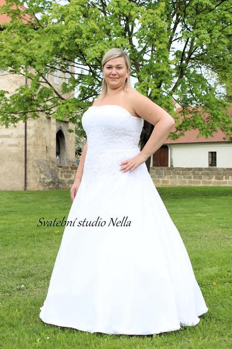 Svatební šaty pro plnoštíhlé N28, 50