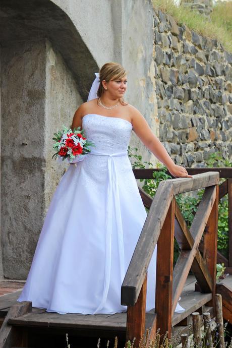 Svatební šaty pro plnoštíhlé N31, 46