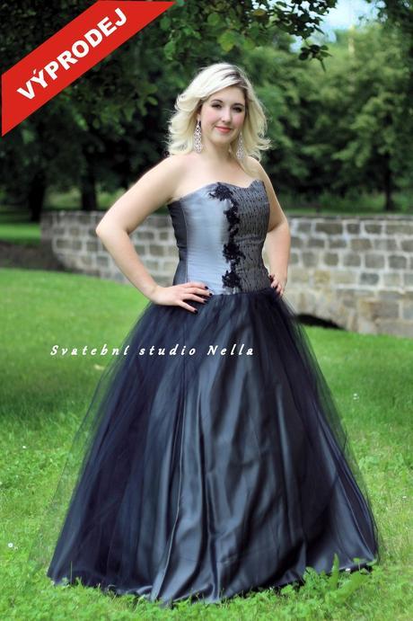 Výprodej - Plesové šaty šedé , 44
