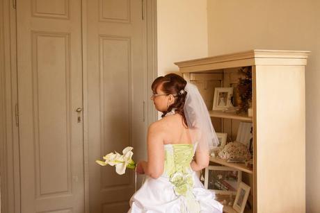 Princeznovské svatební šaty květinová louka, 38