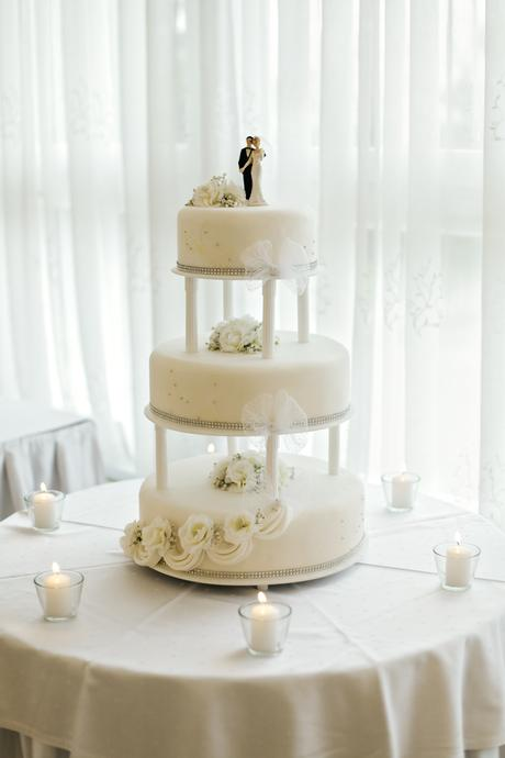 Figúrka na tortu,