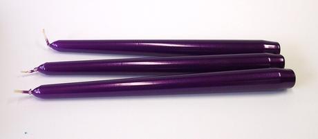 Kónická sviečka fialová metalická 25cm,