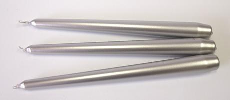Kónická sviečka strieborná metalická 25cm,