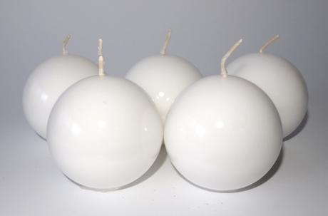 Sviečka guľa biela 6cm ,