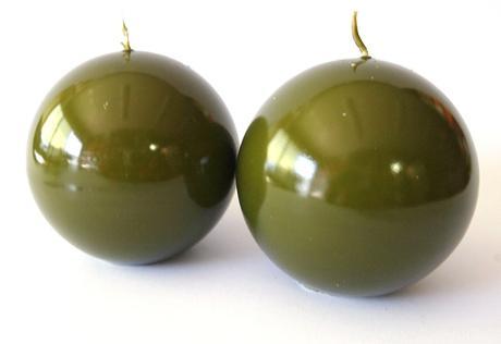 Sviečka guľa olivová 8cm,