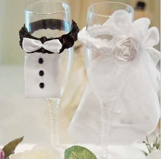 Ozdoba na láhev - nevěsta a ženich,