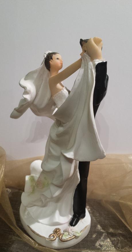 Větší figurka tančící pár - sleva,