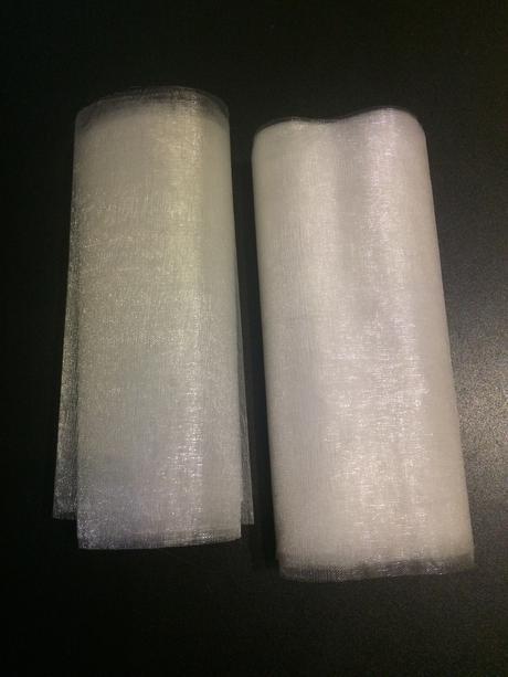 Organza - krémovo bílá,