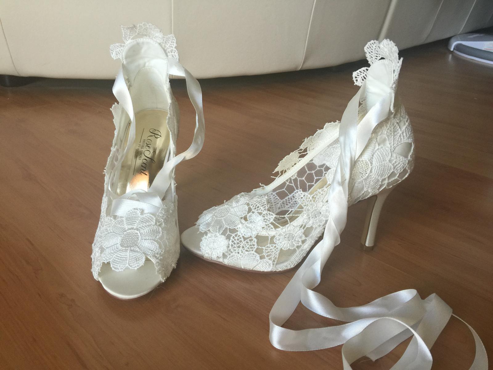 37cf8e5695f Rose scent - dámská svatební obuv