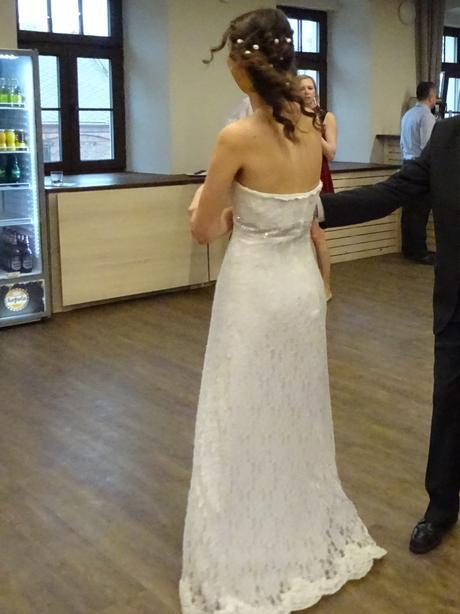 Krajkové svatební šaty 38, 40
