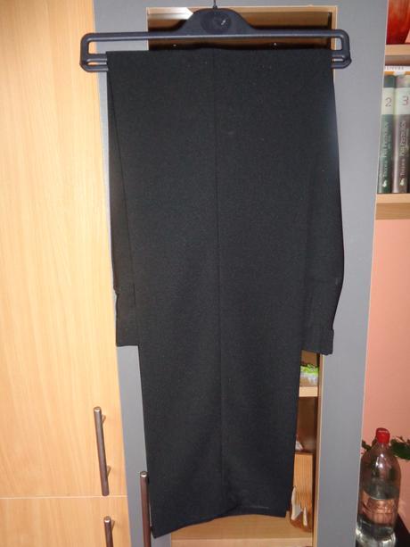 Čierne nohavice, 50