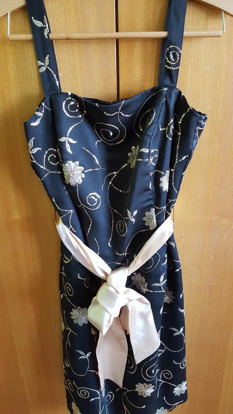 Elegantné šaty , 42