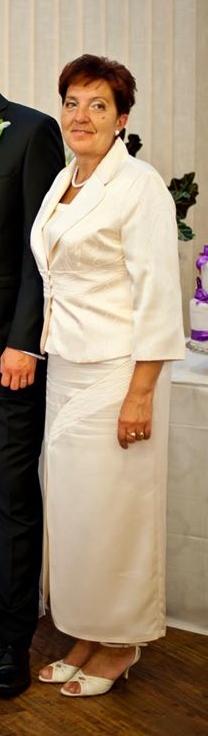 Kostým pre svadobnú mamičku, 46