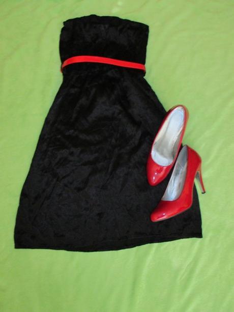 čierne šaty, S
