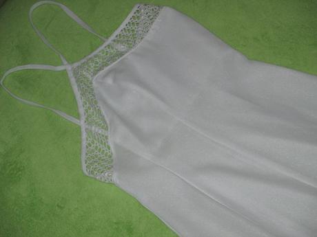dlhé biele šaty, 36