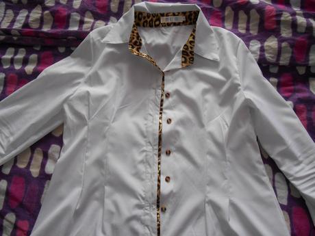 biela bluzka, L