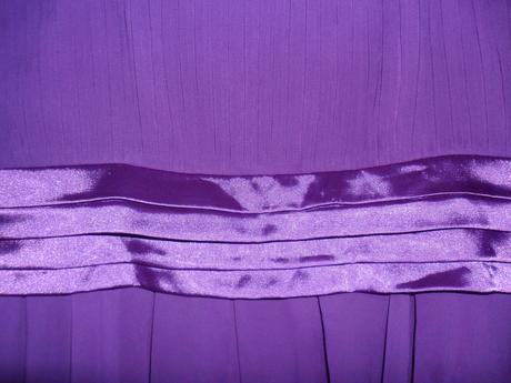 fialové šaty, 40