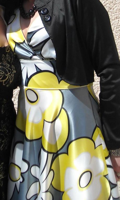 kvetované šaty, 38