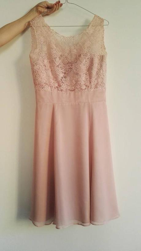 Luxusní šaty vera mont s krajkovou aplikací bf5314e4232