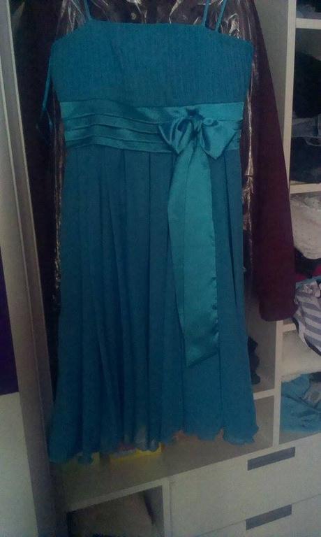 Modré společenské šaty, 36
